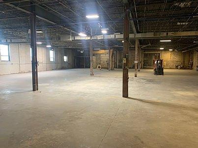 3738 CHOUTEAU - Warehouse